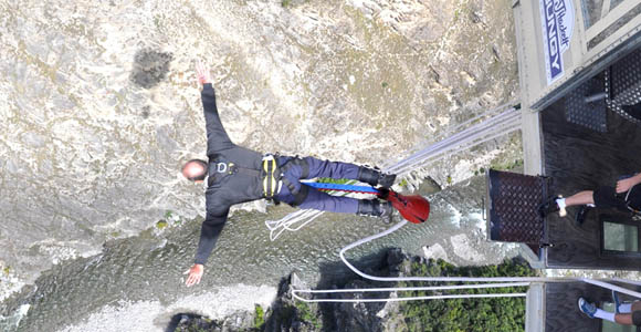 Bungee Jumpung In New Zealand